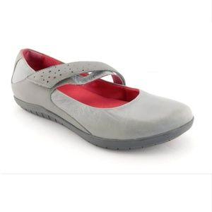 TSUBO Light Gray Leather Mary Jane Ballet Flat 8.5